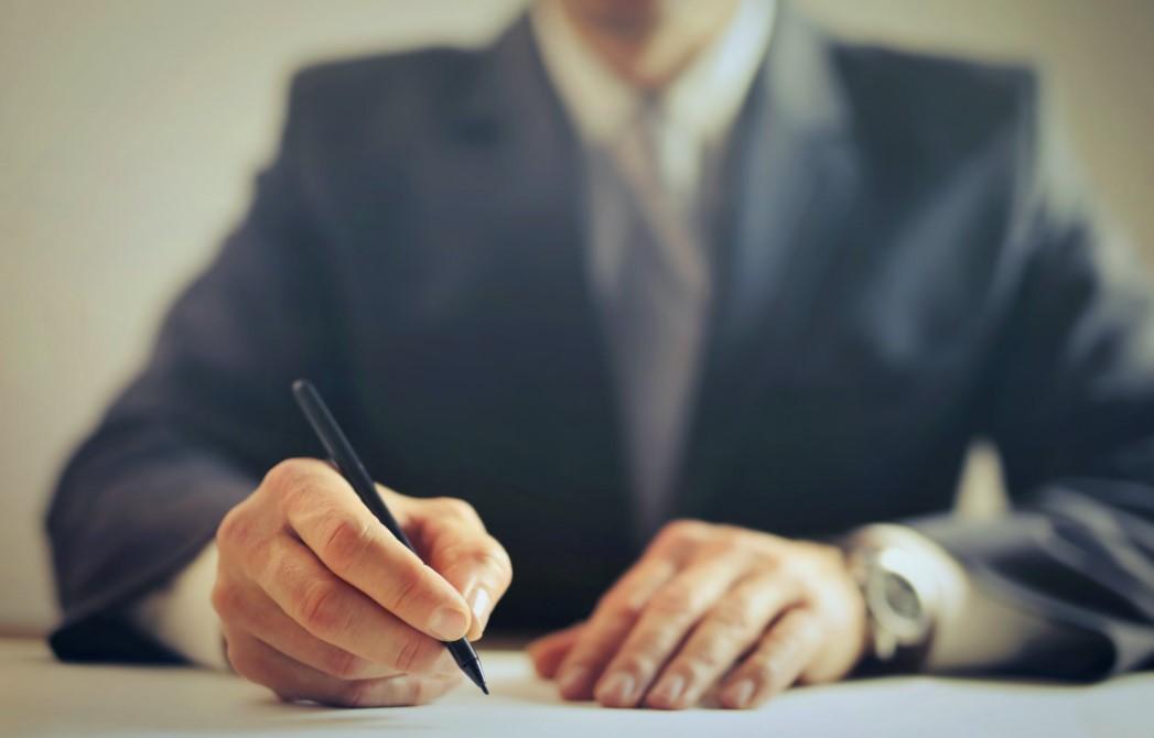 Bei rechtlichen Problemen einen Anwalt aufsuchen